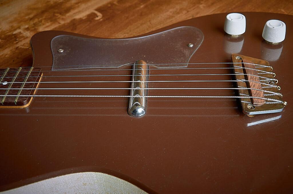 silvertone 1304 1961 body detail